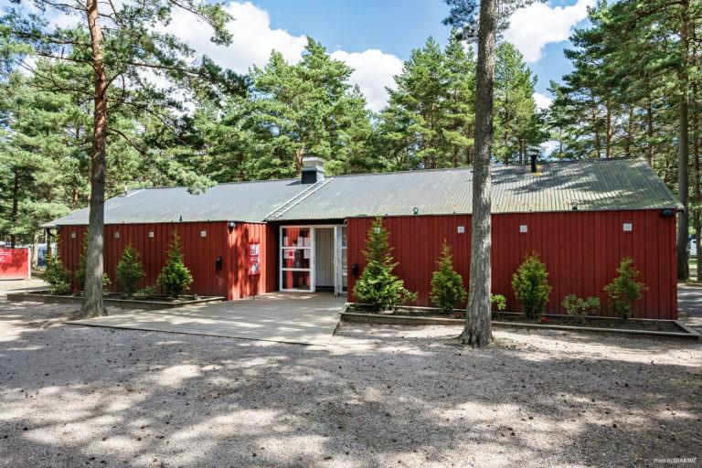 Servicehus på First Camp Åhus-Kristianstad.