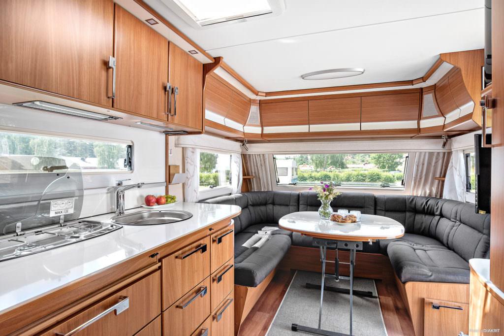 Hyr din husvagn på plats för smidigare camping