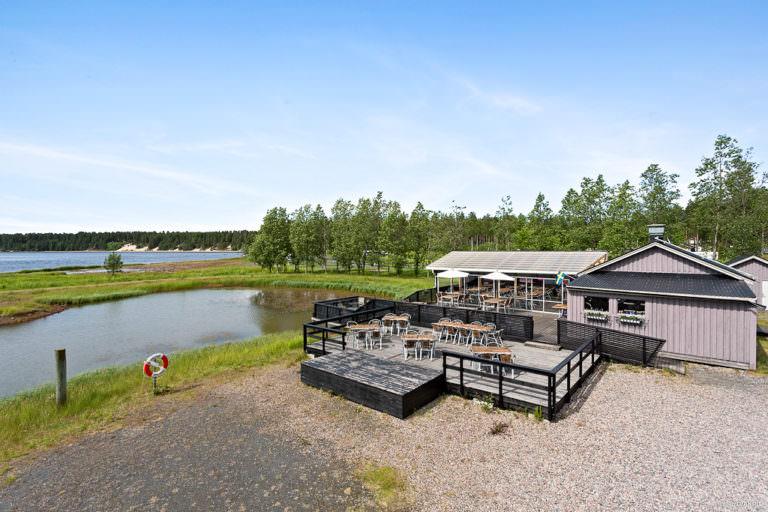Utsikt över vattnet från First Camp Arcus-Luleå.