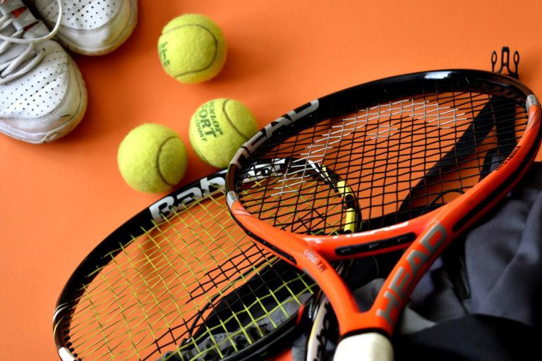 Tennis og minigolf