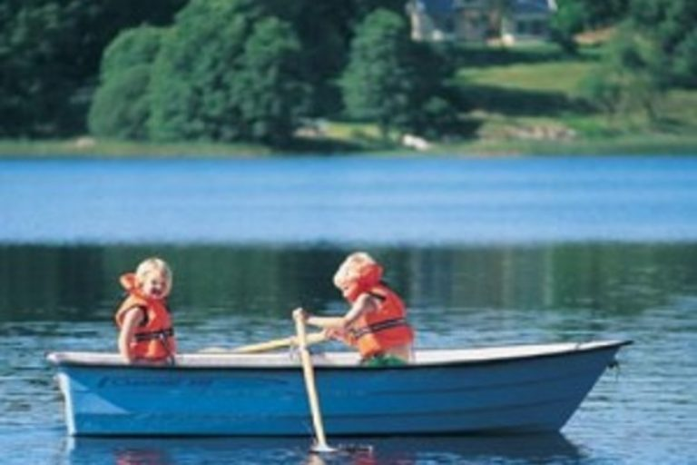 Hyra roddbåt
